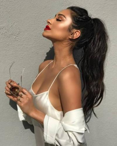womens-fashion-inspiration-white-silk-and-satin-chic-sunglasses