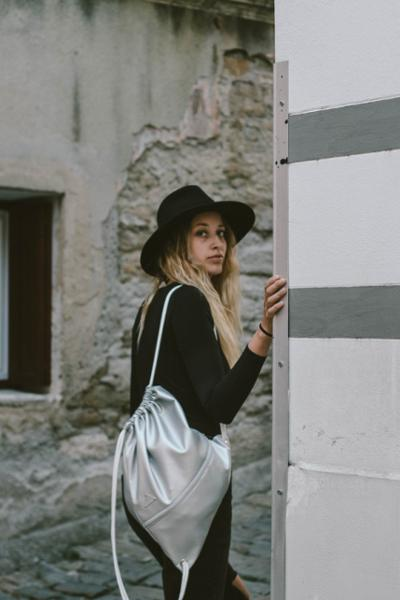 womens-fashion-ideas-silver-fedora-hats-beige