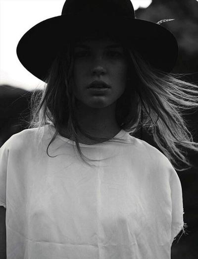 womens-fashion-outfit-fedora-hats-black-and-white