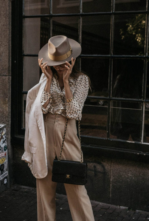womens-fashion-look-polka-dots-camel-flared-pants