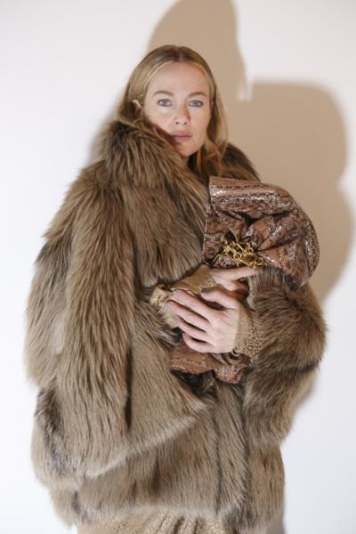 womens-fashion-outfit-fur