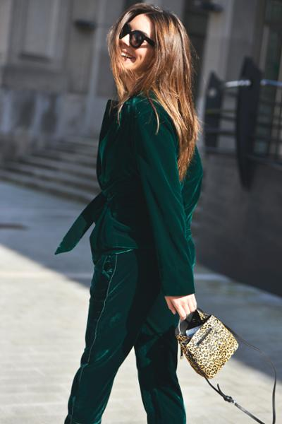 womens-fashion-inspiration-green-velvet