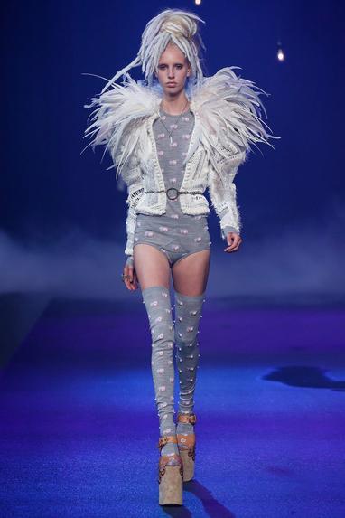 womens-fashion-ideas-white-grey