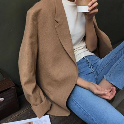 womens-fashion-ootd-white-denim-light-coats-camel