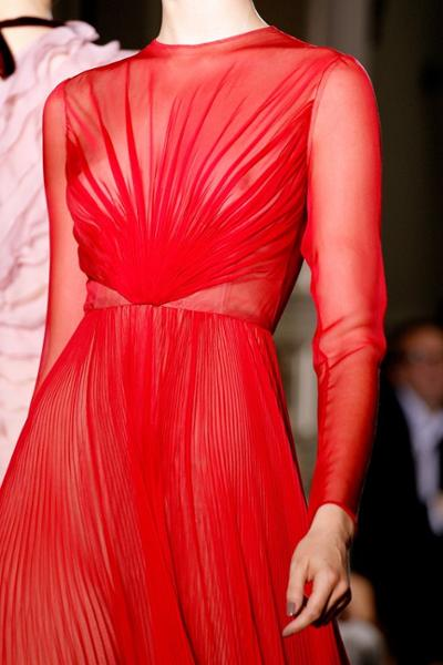womens-fashion-ideas-red-transparent-one-color-pleats