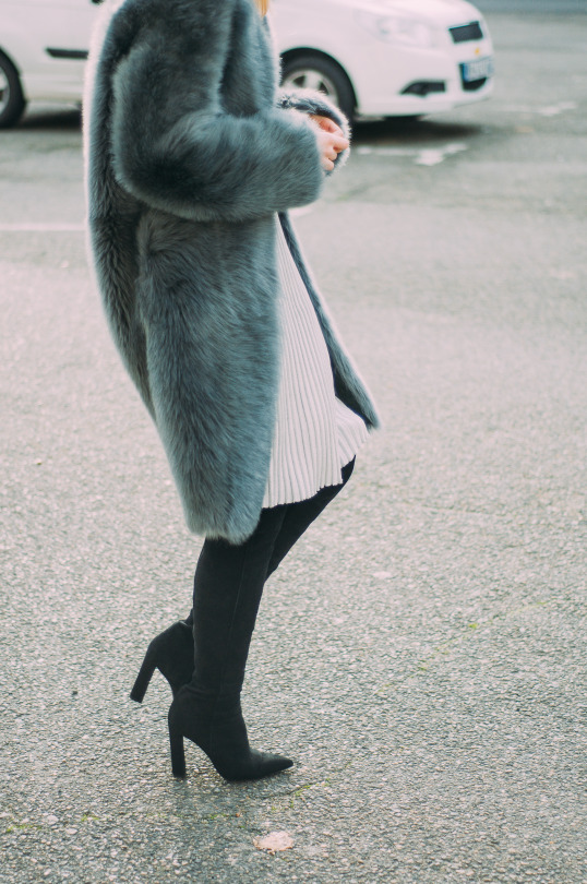 womens-fashion-ideas-fur-tall-boots-fuzzy