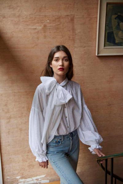 womens-fashion-inspiration-white-denim-ruffles