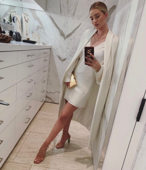 womens-style-inspiration-white-silk-and-satin