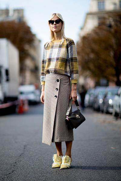 womens-fashion-outfit-yellow-plaid-tweed